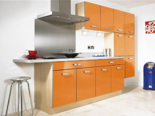 фото оранжевая кухня